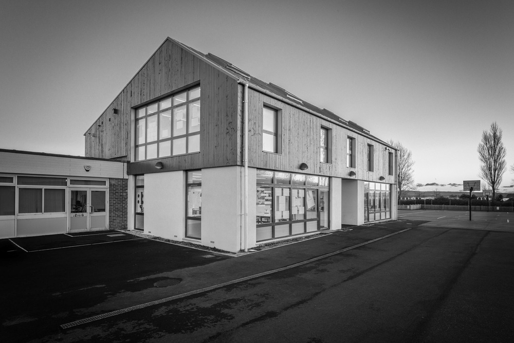 Hamworthy Park Junior School by Rick McEvoy, architectural photographer