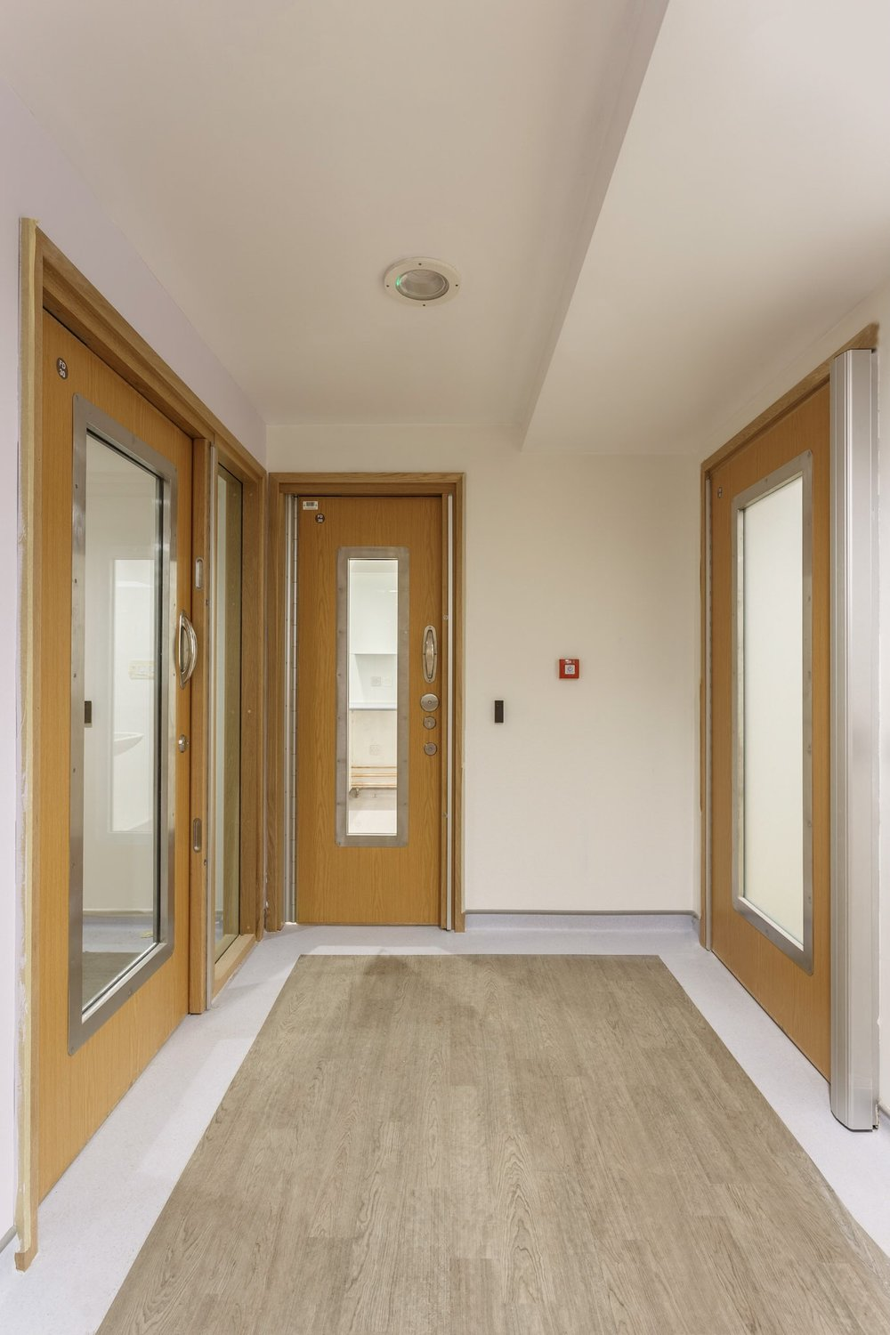 Anti-ligature doors in a hospital by Rick McEvoy Construction Product Photographer