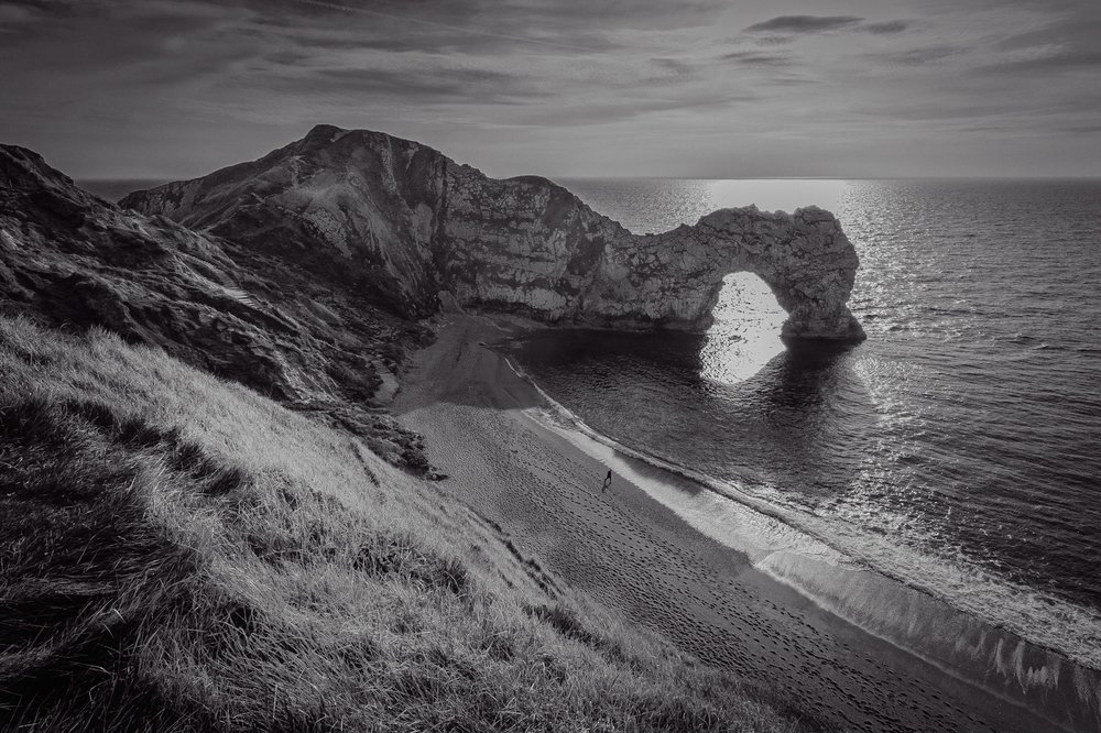 The iconic Durdle Door in black and white