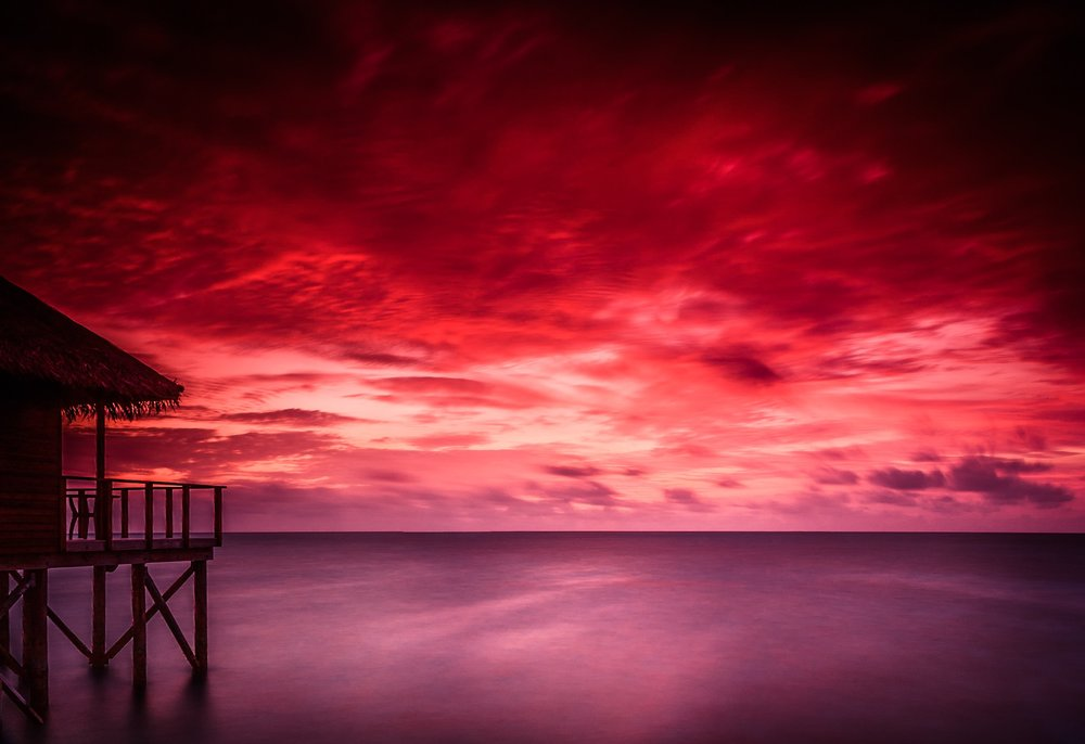 Sunset at Meeru Island Resort in the Maldives by Rick McEvoy travel photographer