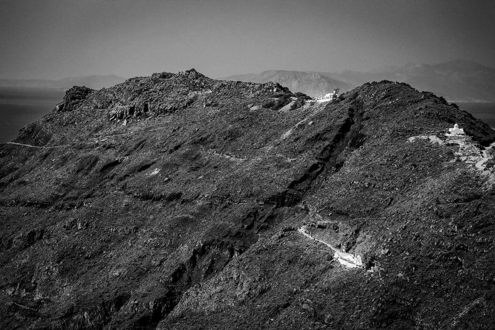 Black and white travel photography in Santorini by Rick McEvoy Photography