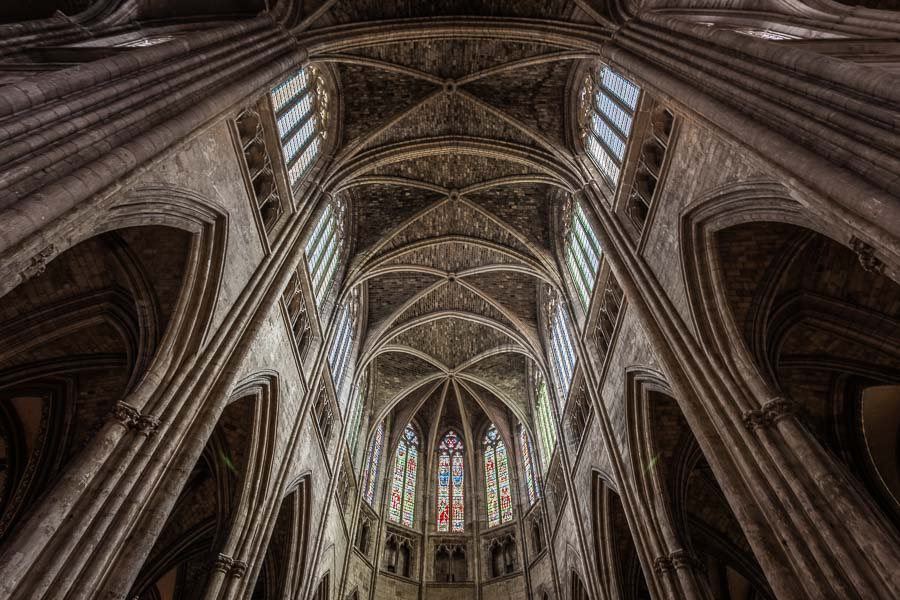 Interior photo of Bordeaux Cathdral by Architectural Photographe