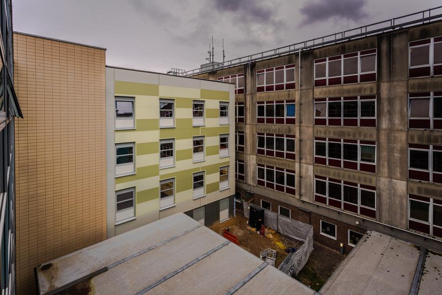 University Hospital Southampton North Courtyard Building 006