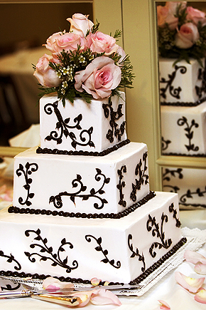 sidebar_wedding_cake2.jpg