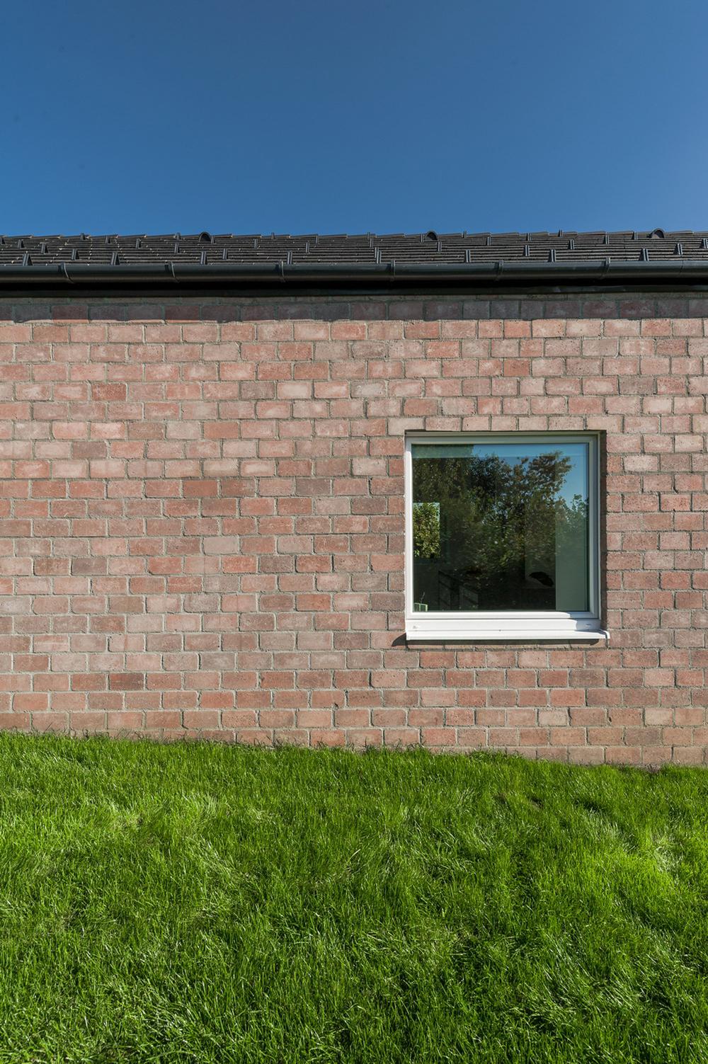 08_NW facade_detail.jpg