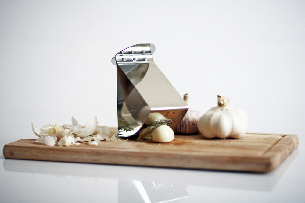 Ribbon Garlic Press - Jankovics Petra 03.jpg
