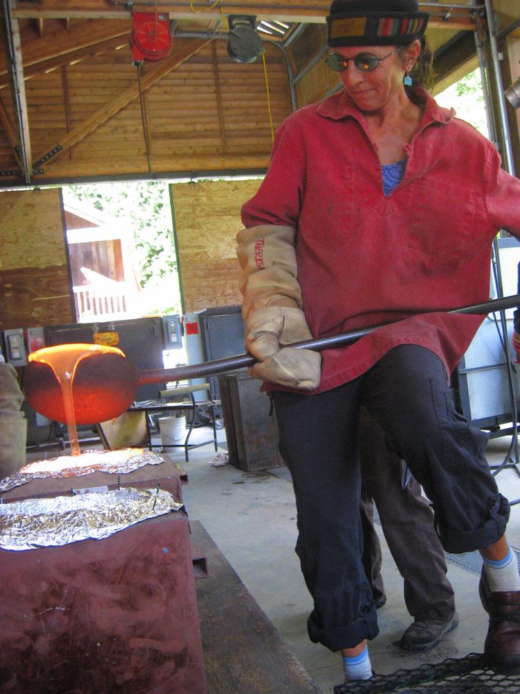 Theresa Batty casting glass