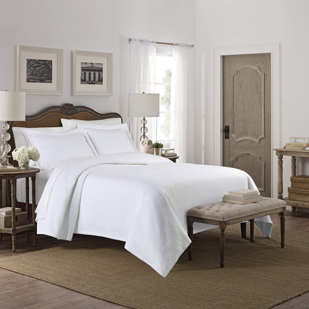 CAMELIA coverlet in white for BBB
