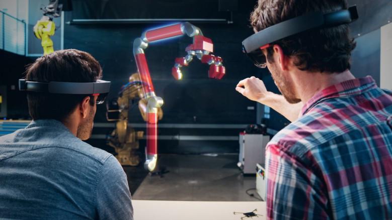 HoloLens-Autodesk-Fusion-360_hero-779x438.jpg