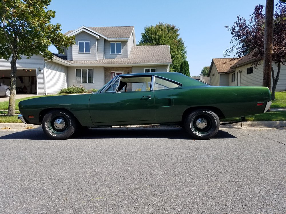 2 1970 Plymouth Road Runner Guerrero.jpg