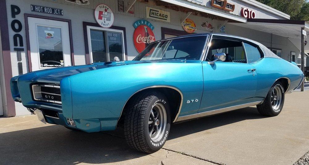 1 1969 Pontiac GTO Hanson.jpg