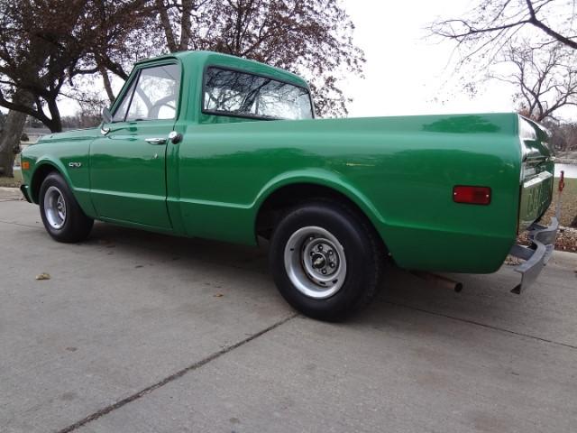 3 1970 Chevrolet C-10 Pierson.jpg