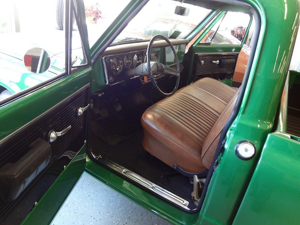 9 1970 Chevrolet C-10 Pierson.jpg