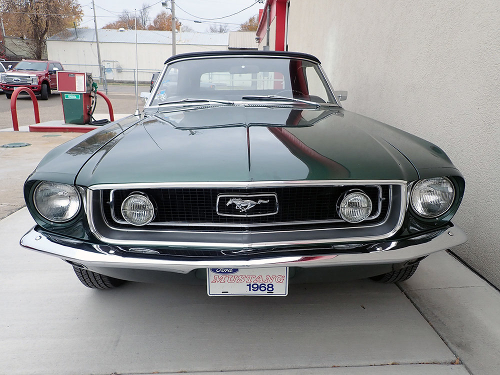 8 1968 Ford Mustang Conv LP.jpg