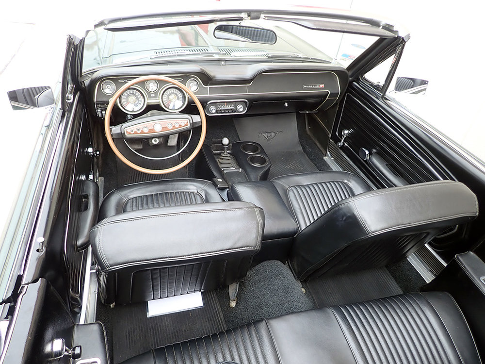 9 1968 Ford Mustang Conv LP.jpg