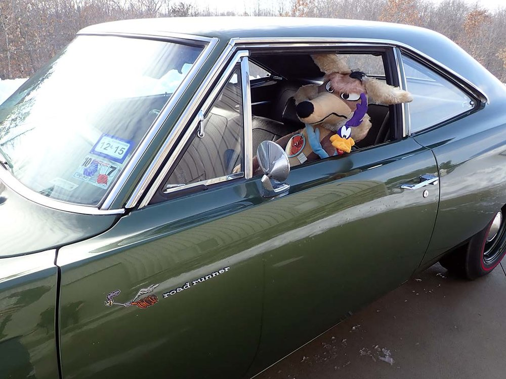 17 1969 Plymouth Road Runner Hemi VonHaden.jpg
