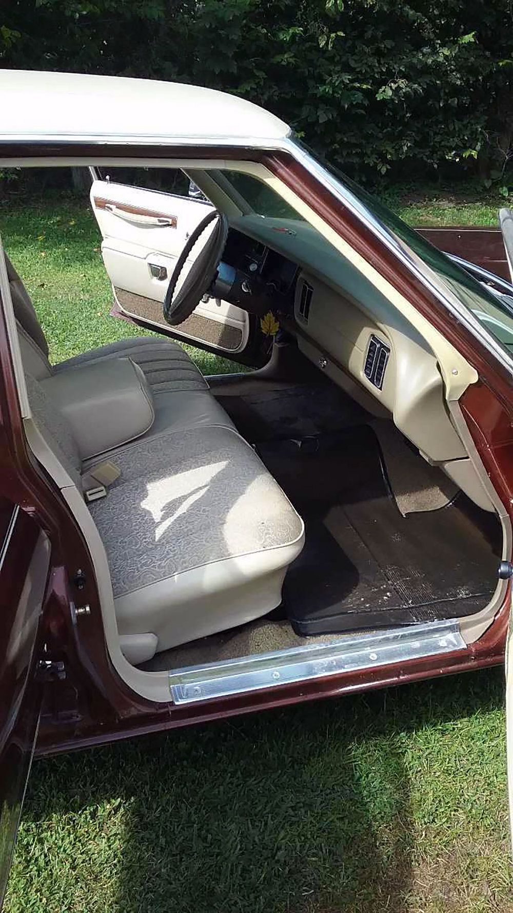 10 1977 Dodge Royal Monaco Brougham.jpg
