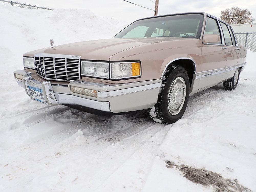 1 1991 Cadillac Fleetwood.jpg