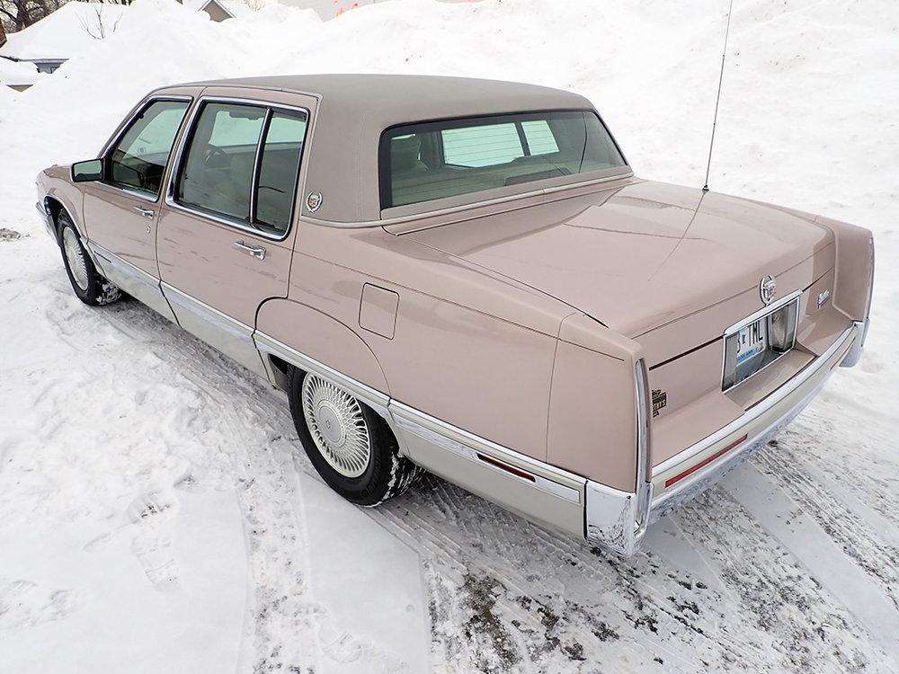 3 1991 Cadillac Fleetwood.jpg