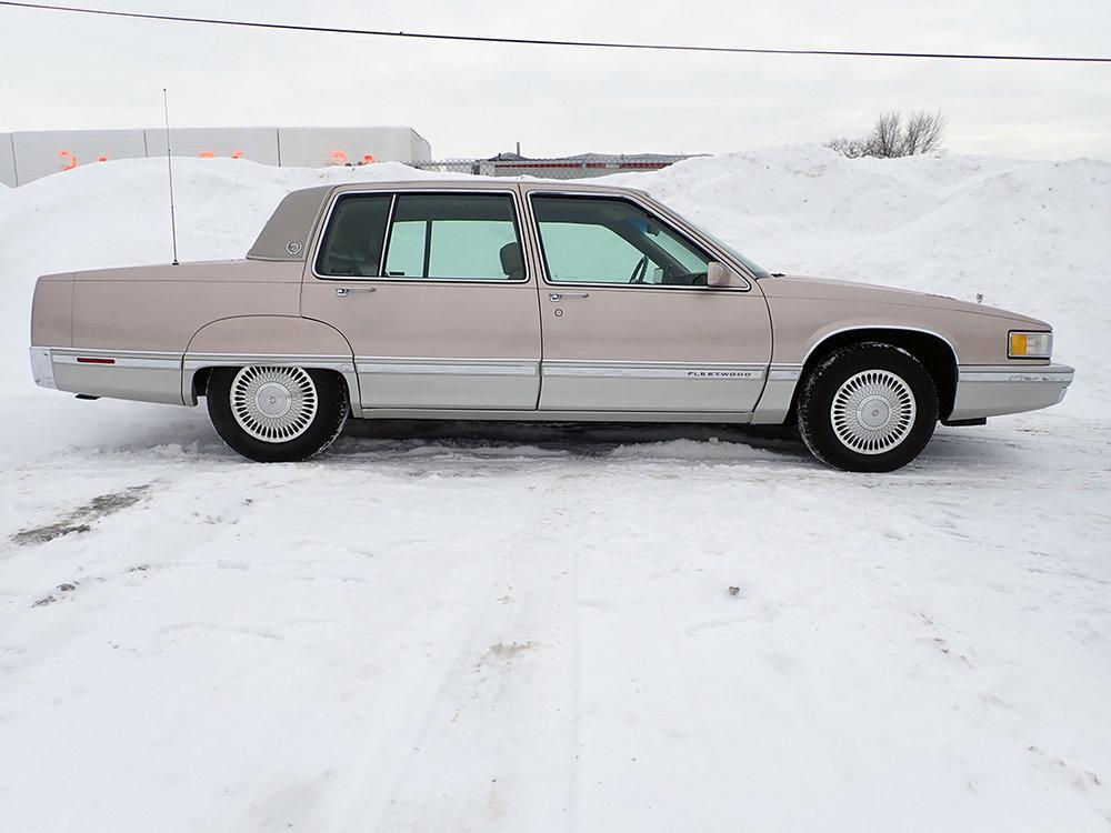 6 1991 Cadillac Fleetwood.jpg