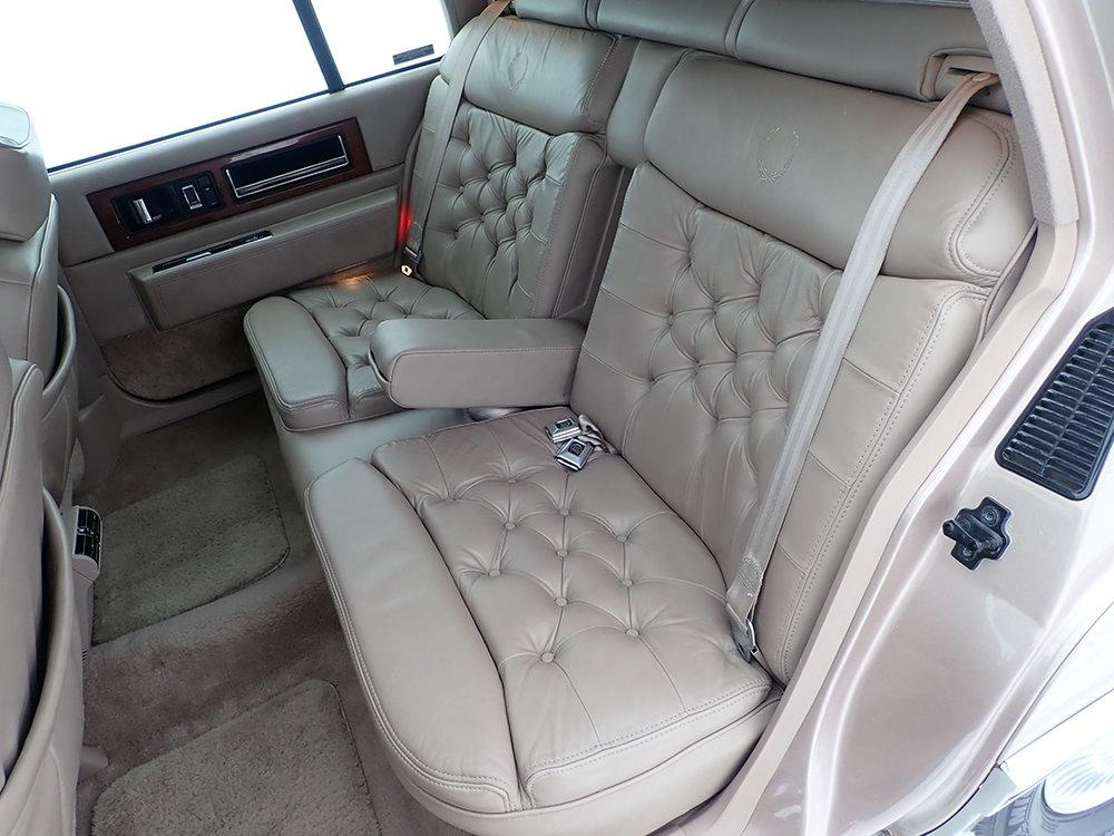 10 1991 Cadillac Fleetwood.jpg