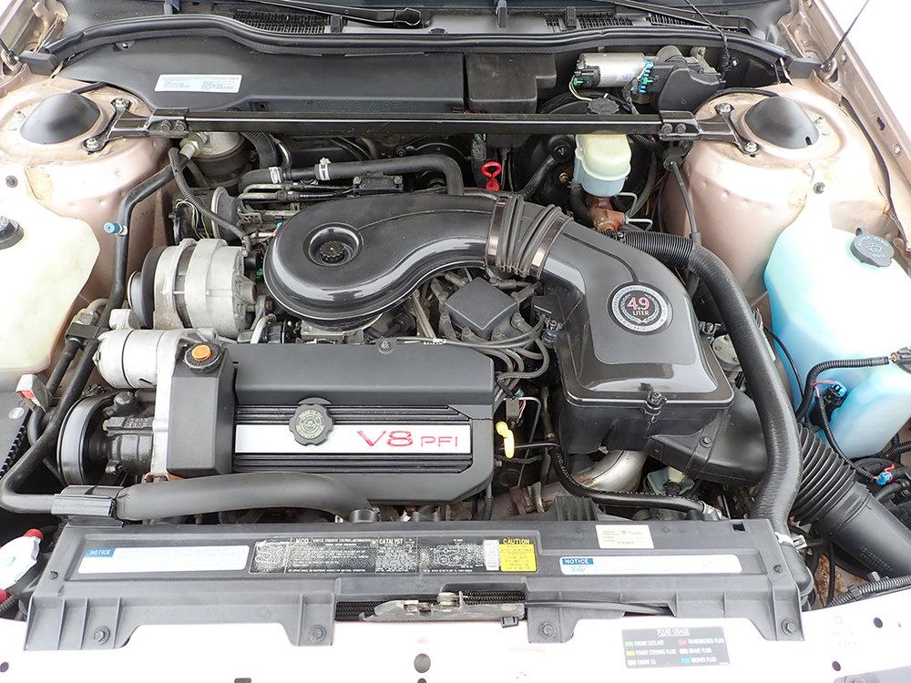 16 1991 Cadillac Fleetwood.jpg