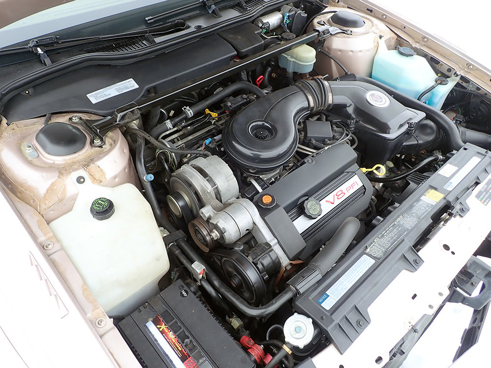 17 1991 Cadillac Fleetwood.jpg