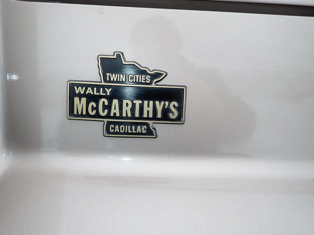 20 1991 Cadillac Fleetwood.jpg