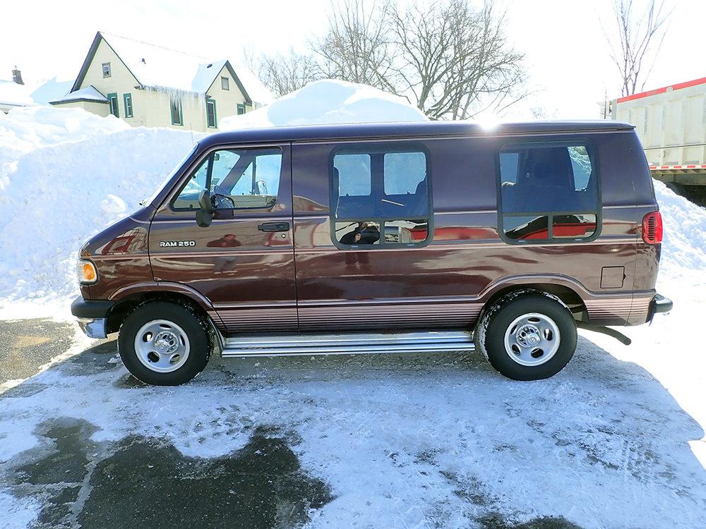 2 1994 Dodge Van STPC.jpg