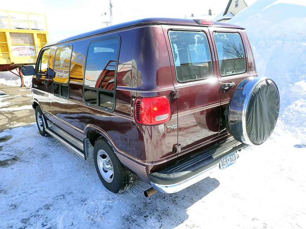 3 1994 Dodge Van STPC.jpg
