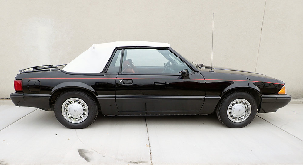 6 1988 Ford Mustang Conv STPC.jpg