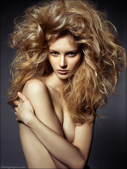 Elle-Russia-Dramatic-Hair-Beauty_Zhang-Jingna1.jpg