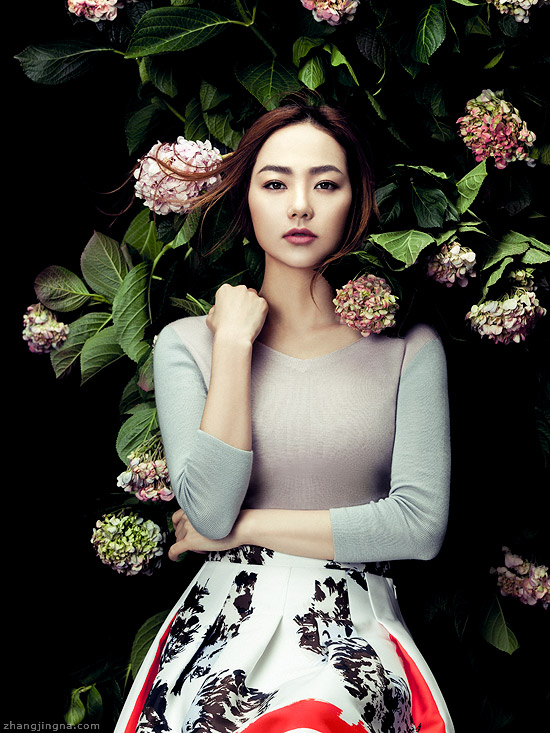 Elle-Vietnam-Cover-Minh-Hang-in-Dior-with-flowers-by-Zhang-Jingna.jpg