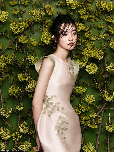 Phuong-My-SS14-Kwak-Ji-Young-by-Zhang-Jingna5.jpg