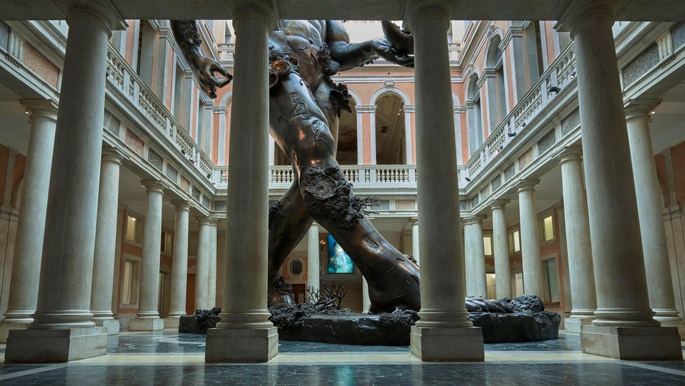 p1_treasures_from_the_wreck_of_the_unbelievable_damien_hirst_demon_with_bowl_exhibition_enlargement_palazzo_grassi_yatzer.jpg
