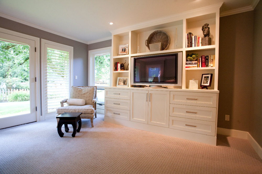 """David is a very honest and straightforward guy to work with. He is professional, knowledgeable, considerate, and detail-oriented."""
