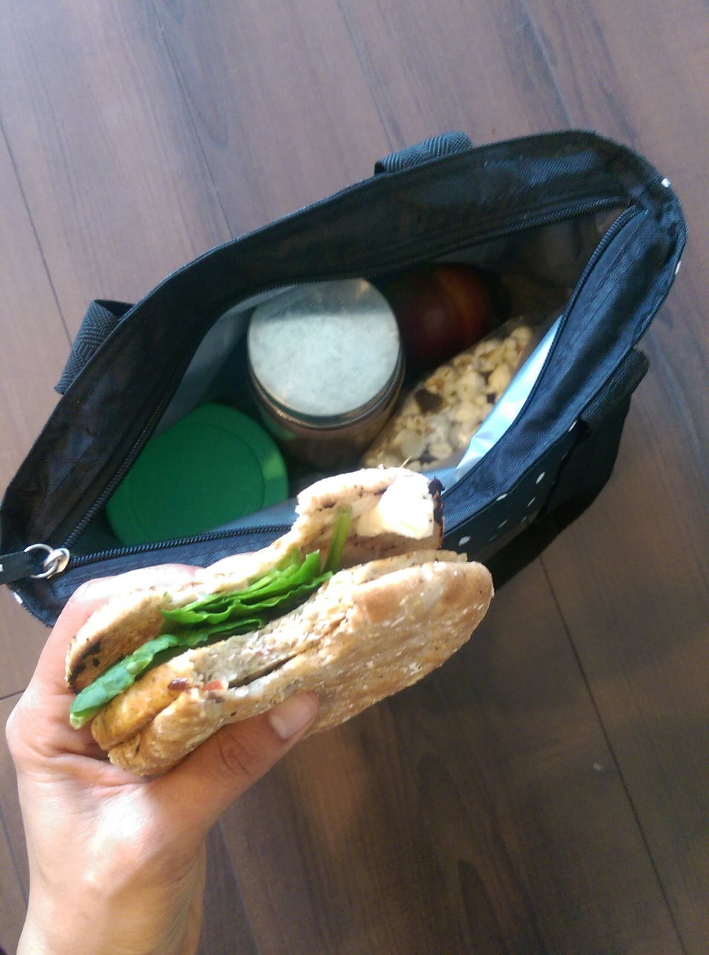 What's in my lunch bag? Lime chicken patty on whole wheat sandwich thin w/chipotle cream cheese and spinach. Snacks: popcorn w/choc chips, apple, protein smoothie, protein oats.