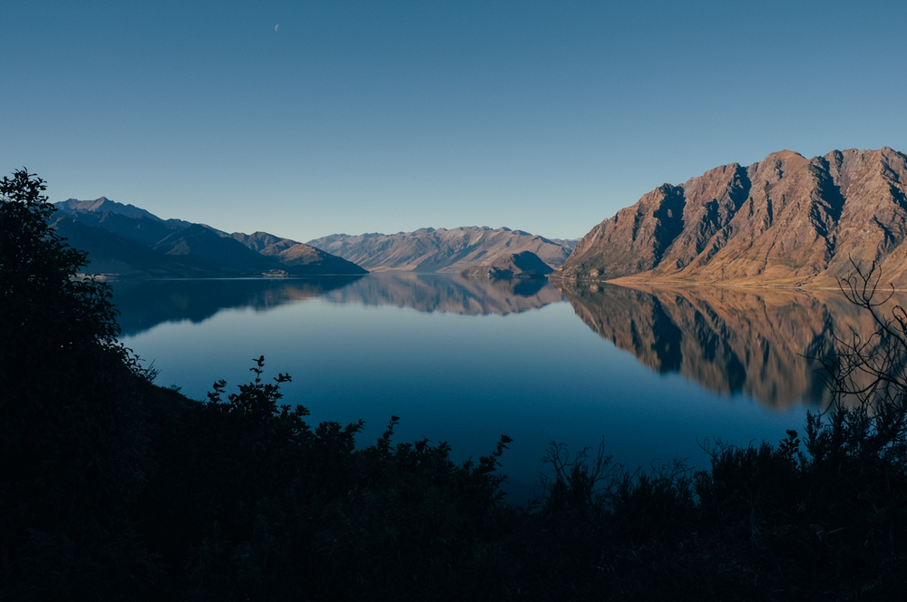 Golden hour at Lake Hawea, Otago, New Zealand