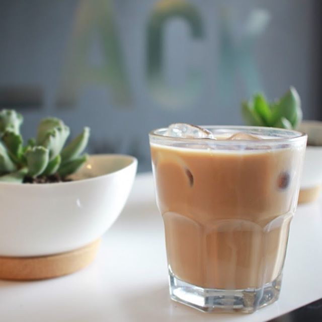 Get a round of iced lattes to keep cool this weekend 😎