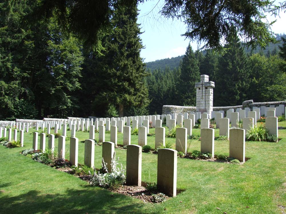 12 - cimitero inglese di Magnaboschi.JPG
