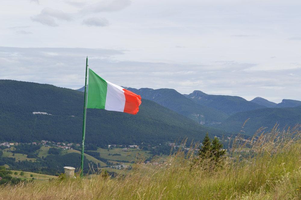 L' Altopiano dei Sette Comuni visto da S/O verso N/E dal Monte Jok (fotografia di Stefano Aluisini)