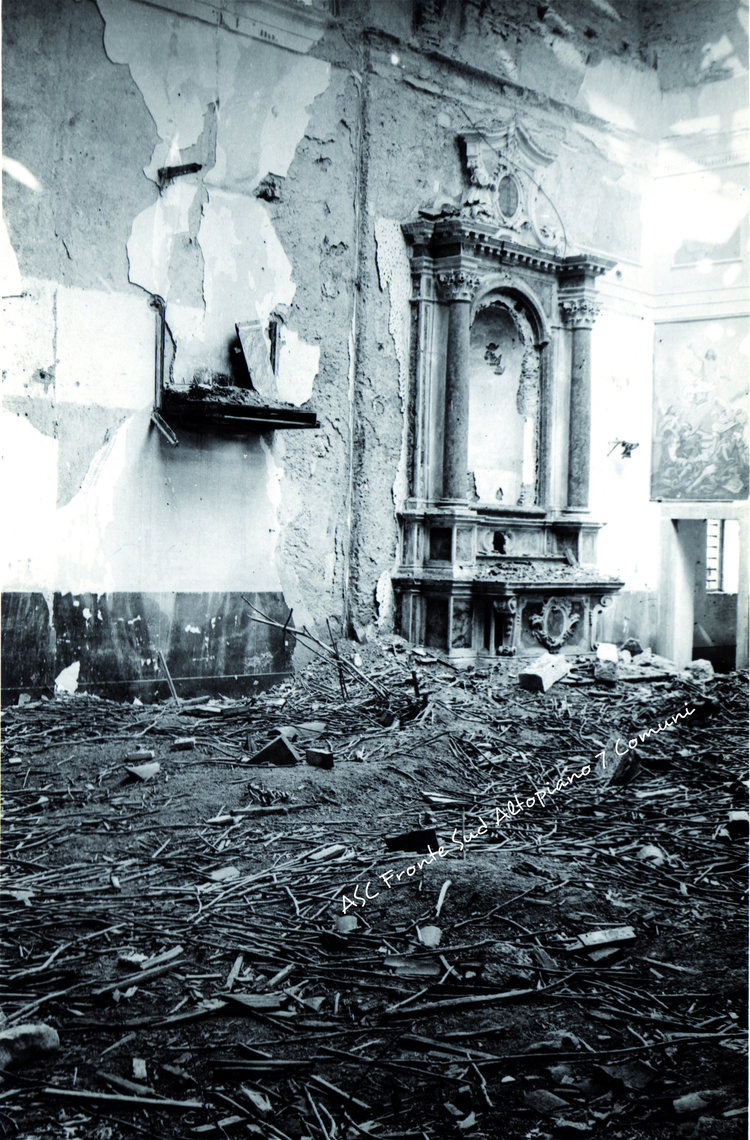 1665)+-+1917+-+Treschè+Conca+interno+chiesa+partic.jpg