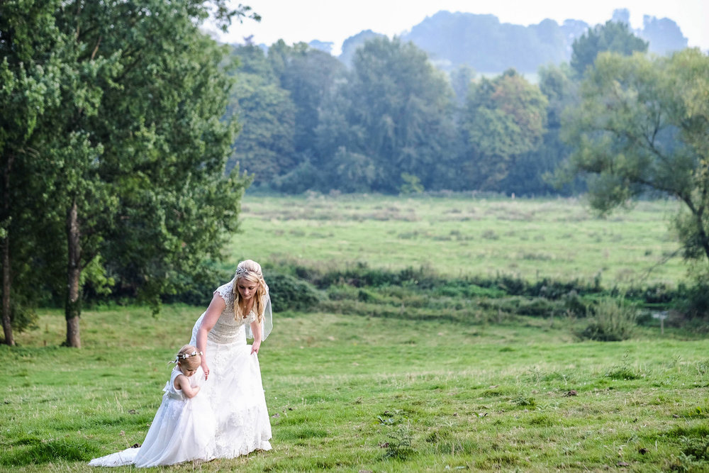 Wiltshire wedding-0076.jpg