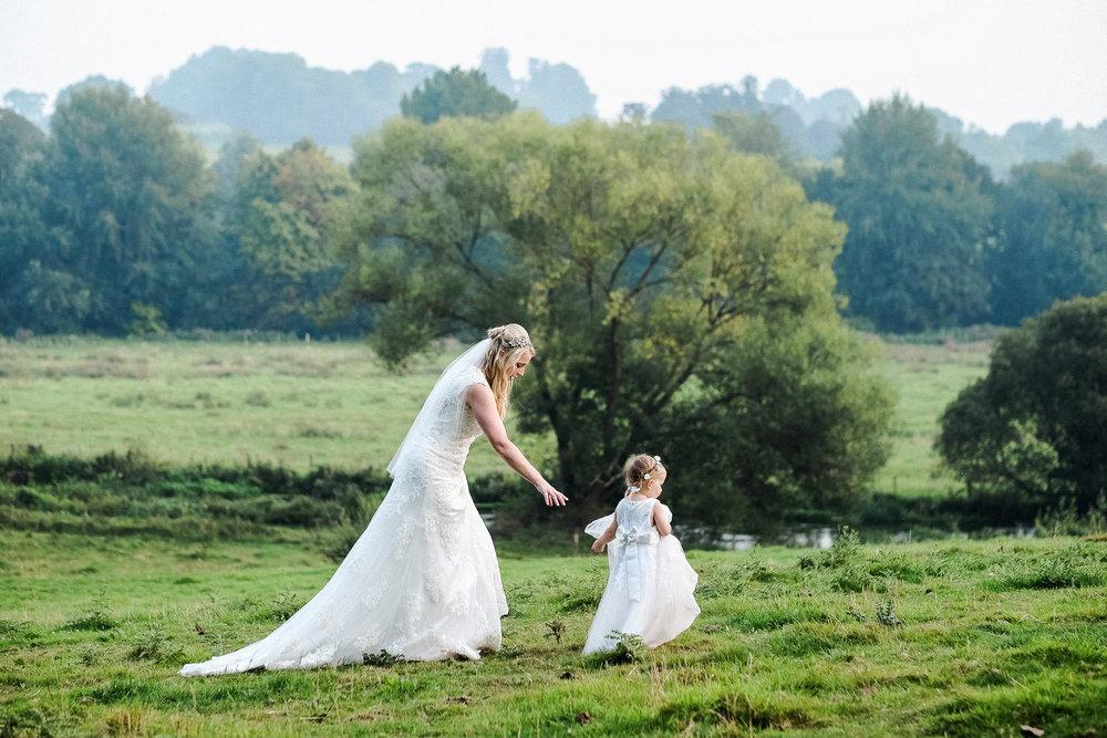 Wiltshire wedding-0077.jpg