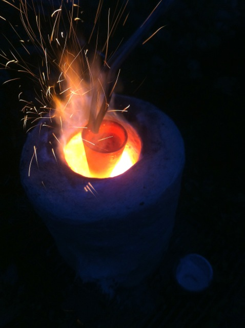 Playing with fire. Making the Star Regulus of Antimony at Robert Allen Bartlett's  Spagyricus Institute . (Tulalip, Washington, November 2014).