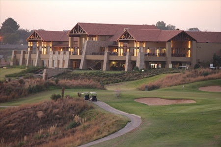 our facilities buhrmann du toit golf academy. Black Bedroom Furniture Sets. Home Design Ideas