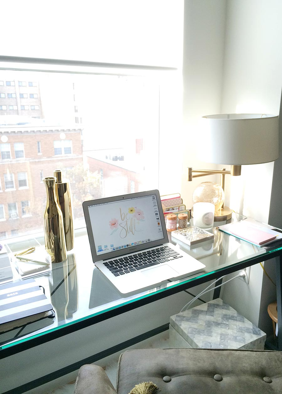 desk-home-office-styling-splendor-in-spanglish-dc