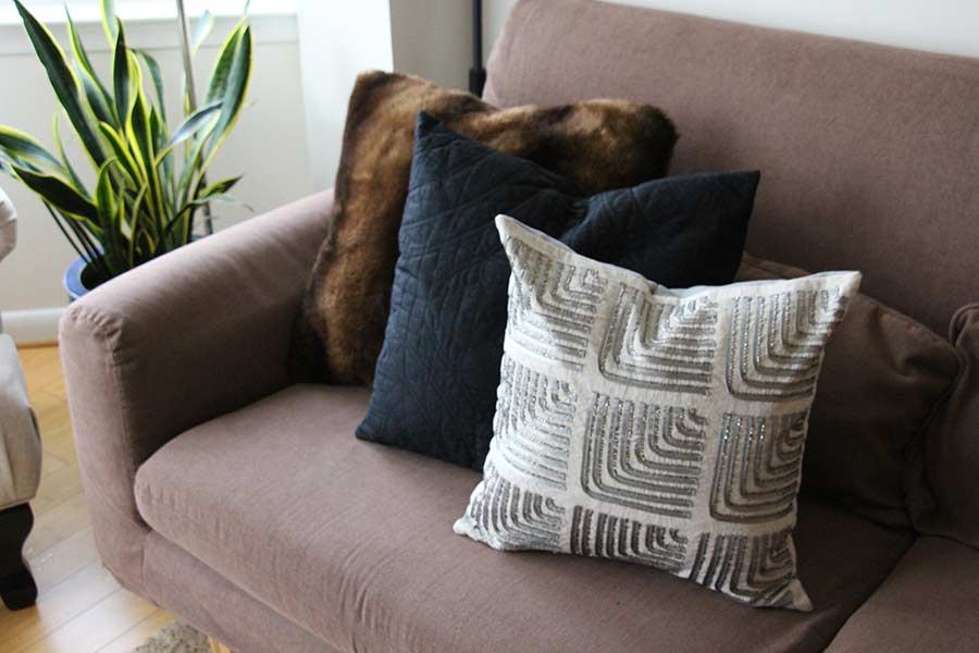 pillows-on-couch-combo-decor.jpg