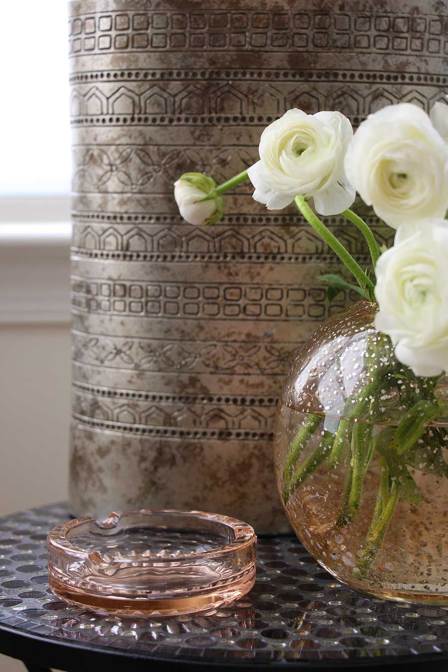 white-flowers-blush-vase-westelm-home-decor-chic-simple-luxe.jpg