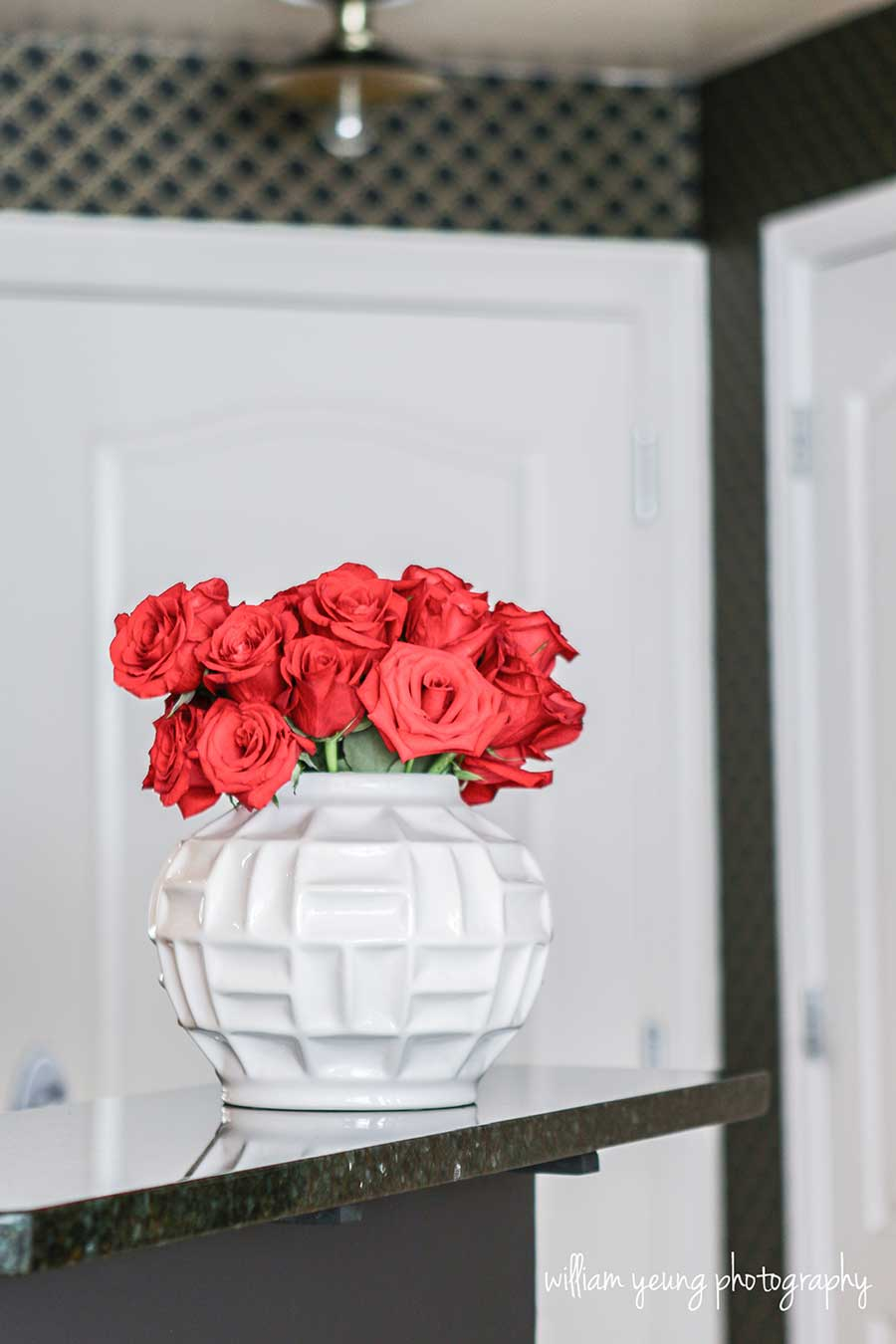 red-roses-home-entrance-decor.jpg